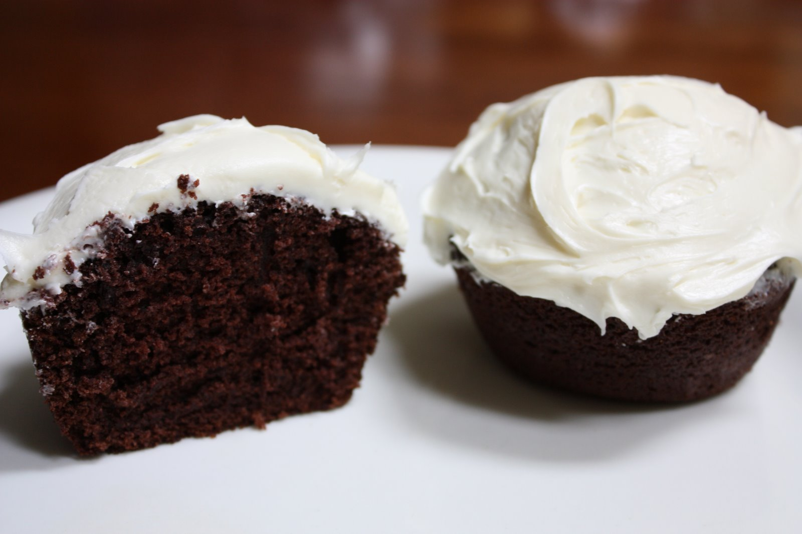 Difference Between Devil S Food And Dark Chocolate Fudge Cake Mix